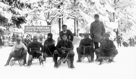 students sledging